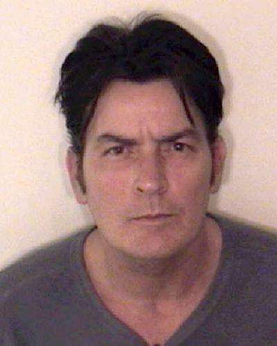 charlie-sheen-actors-award-nominee-award-winner-film-actor-people-in-film-people-in-tv-person-tv-actor-photo-u8